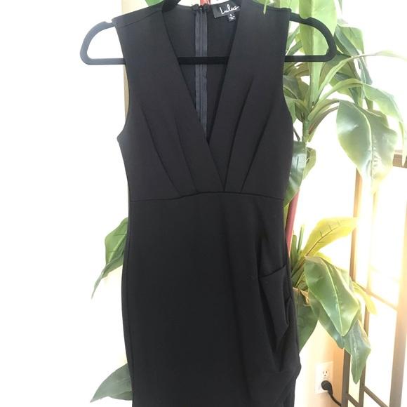 Lulu's Dresses & Skirts - Lulu's V-Neck Dress
